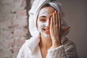 Recepty na skvělé přírodní masky, které vaši pleť ochrání i před změnami počasí