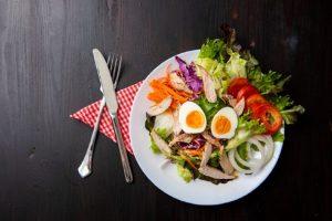 Raw strava – víte, kdy tělu prospívá a kdy škodí?