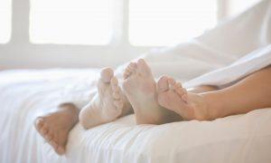 O čem se nemluví. Orální sex je normální součástí partnerské intimity. Proč o něm tedy mlčíme?